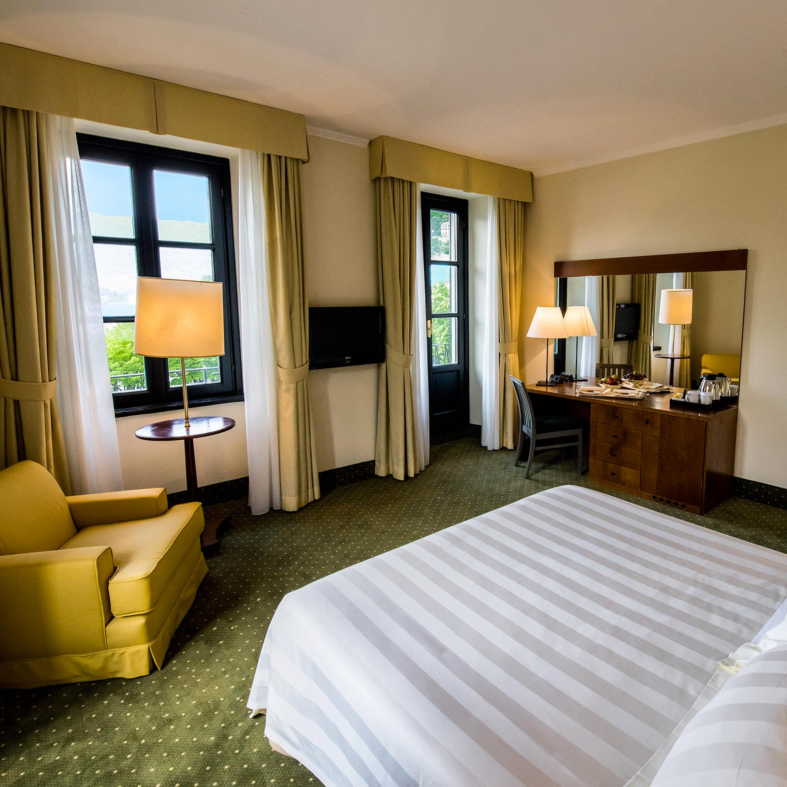 Palace hotel 4 stelle hotel a como camere vista lago palace hotel - Aprite le finestre ...